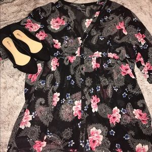 Torrid sheer floral high low tunic size 3